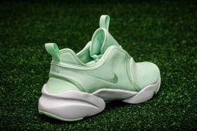 Кецове Nike WMNS Loden