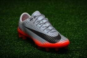 Футболни обувки Nike Mercurial Vapor XI CR7 AG-PRO
