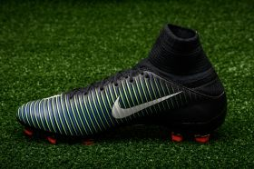 Футболни обувки Nike Mercurial Veloce III DF FG