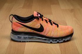Маратонки за бягане Nike WMNS Flyknit Max
