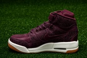 Кецове Nike WMNS Air Revolution Premium Essential