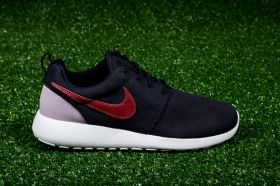 Кецове Nike WMNS Roshe One Suede