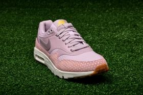 Кецове Nike WMNS Air Max 1 Ultra Essentials