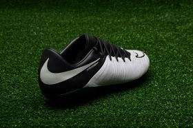 Футболни обувки Nike Hypervenom Phinish Leather FG