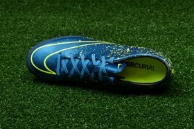 Футболни обувки Nike Mercurial Victory V AG-R