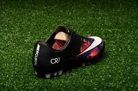 Футболни обувки Nike Mercurial Veloce II CR7 AG-R