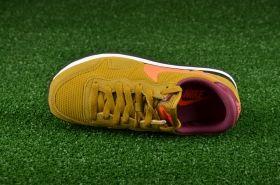 Кецове Nike WMNS Air Pegasus 83