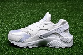 Кецове Nike Wmns Air Huarache Run