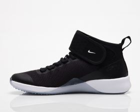 Type Training Nike Wmns Air Zoom Strong 2