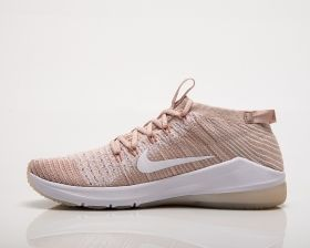 Type Training Nike Wmns Air Zoom Fearless Flyknit 2