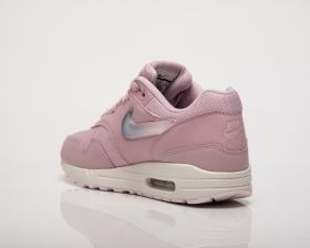 Кецове Nike Wmns Air Max 1 Jewel Swoosh