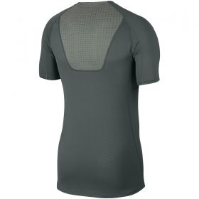 Type Shirts Nike Breathe Pro Top