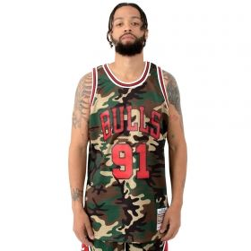 Type Shirts Mitchell & Ness NBA Chicago Bulls 1997-98 Dennis Rodman Woodland Camo Swingman Jersey