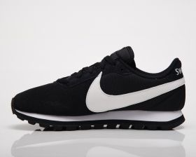 Кецове Nike Wmns Pre Love O.X.