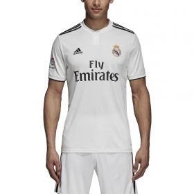 Type Shirts adidas Real Madrid 2018/19 Home Football Shirt