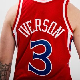 Type Shirts Mitchell & Ness NBA Philadelphia 76ers Allen Iverson 1996-97 Alternate Swingman Jersey