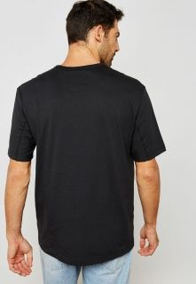 Type Shirts adidas Originals Kaval Tee