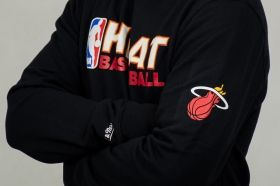 Суичър Mitchell & Ness NBA Miami Heat Team Issue Crewneck Sweatshirt